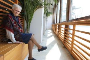 anziana tranquilla, assistenza anziana, rilasso anziana